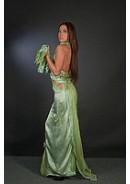 Вечерние платья и костюмы